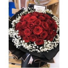 Red Rose Bouquet with Baby's Breath