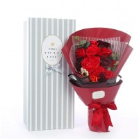 Red Themed Soap Flower Bouquet In Gift Box